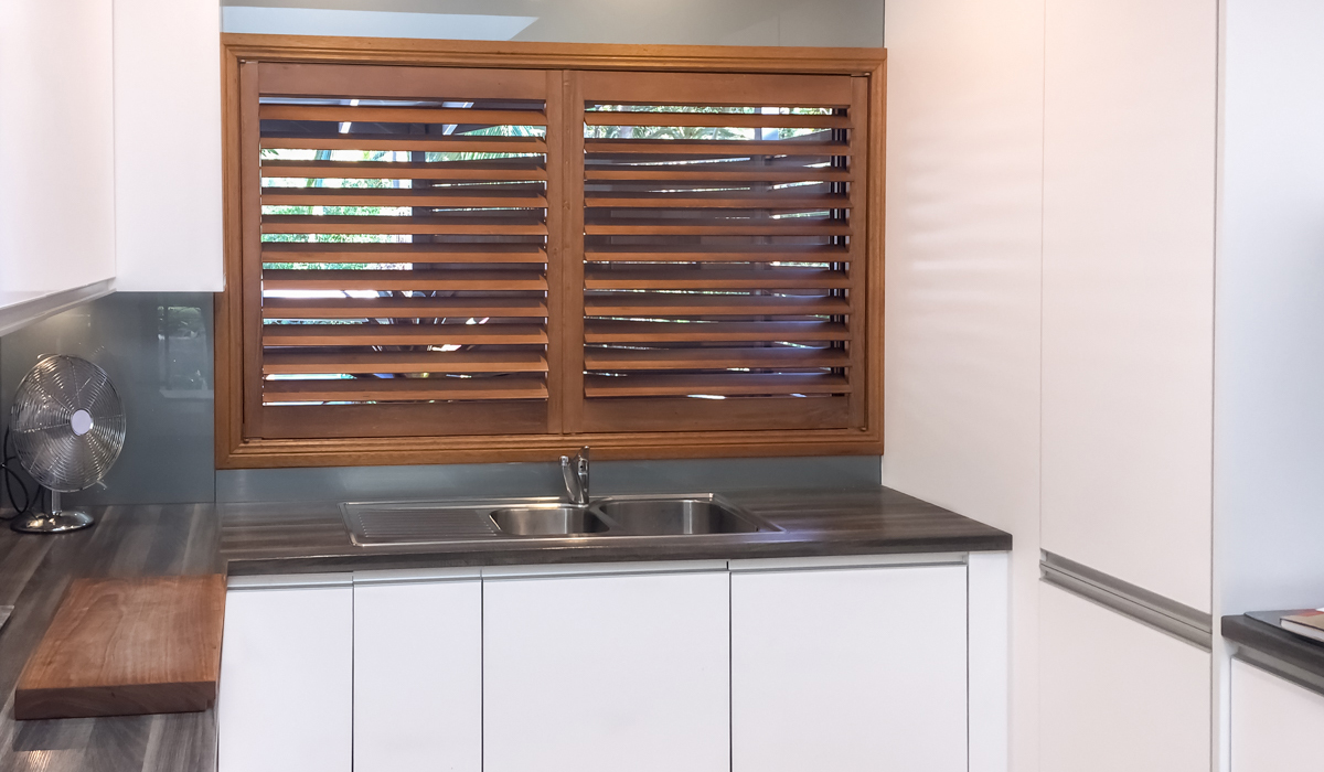 INTERNAL PLANTATION SHUTTERS