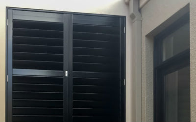 Photo of the Week – Aluminium Shutters for a Courtyard